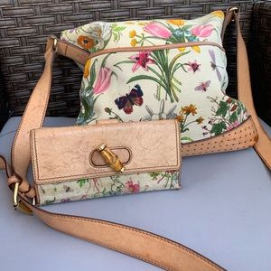 Gucci Flora Crossbody Bag w/FREE Matching Wallet